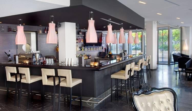 Arcotel John F bar