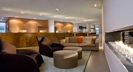 Wyndham Excelsior Hotel lobby